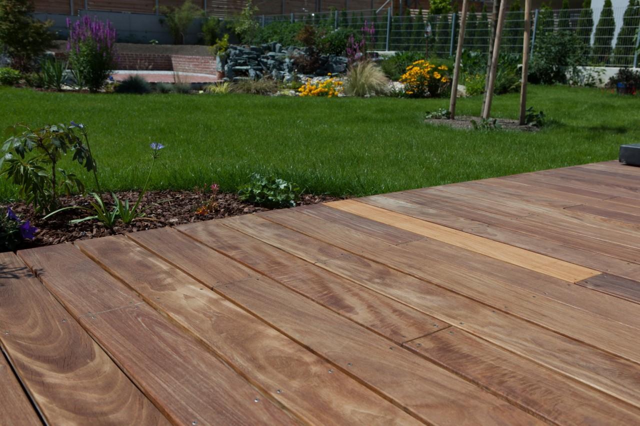 Vergraute Holz Terrassendielen reinigen und pflegen   Terrasse ...