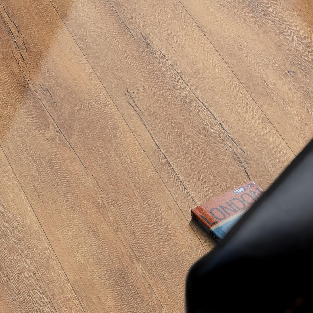 egger pro kingsize laminat landhausdiele 1 stab eiche authentik verdon h1052 landhausdielen. Black Bedroom Furniture Sets. Home Design Ideas